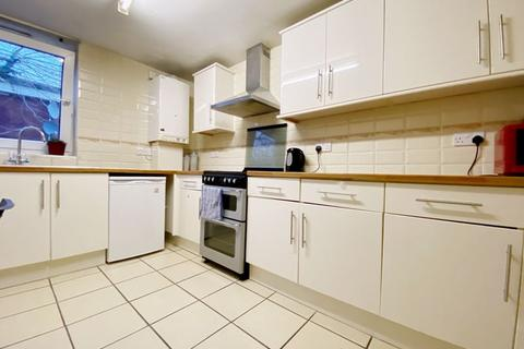 2 bedroom apartment for sale - Altair Close, London N17