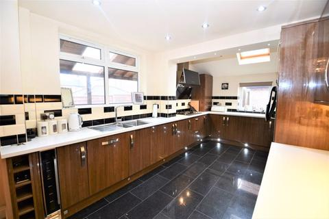 5 bedroom detached house for sale - Orient Road, Salford 6
