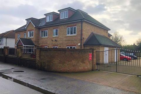 3 bedroom penthouse to rent - Oaklands Court, Cranford Lane, Harlington