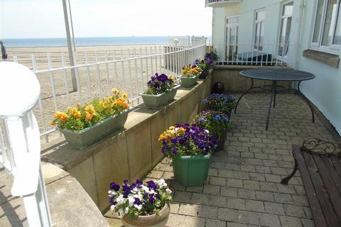 2 bedroom apartment for sale - Ocean Crescent, Marina, Swansea