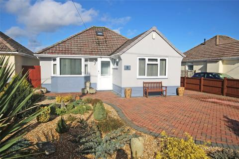 2 bedroom bungalow for sale - Chiltern Drive, Barton on Sea, New Milton, BH25