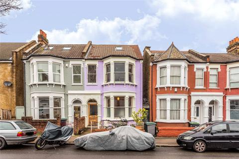 3 bedroom semi-detached house for sale - Warham Road, Harringay, London, N4