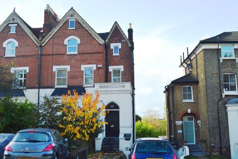 2 bedroom flat to rent - Wood Vale London SE23