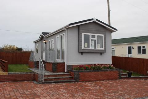 2 bedroom park home for sale - Castleton Road, BARRY, CF62