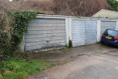 Property to rent - Garage, Princes Road, Torquay