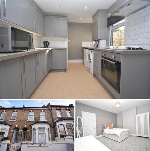 3 bedroom terraced house for sale - Tewson Road London SE18
