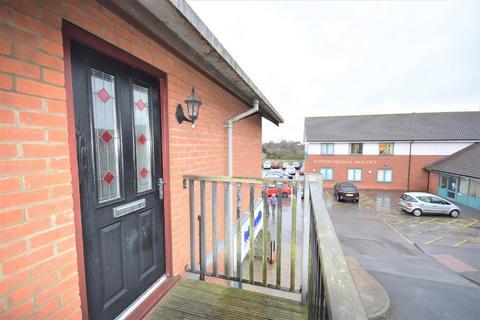 2 bedroom flat for sale - Gregor Shanks, Watton, IP25
