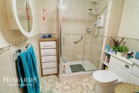 2 bedroom apartment for sale - Saint Georges Court, Deneside, Great Yarmouth