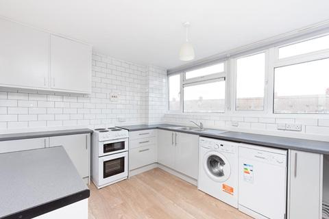3 bedroom apartment to rent - Reynolds Way, Abingdon, Oxon, OX14 5JT