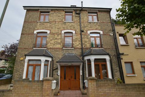 2 bedroom apartment to rent - Parkhurst Road, Friern Barnet, N11