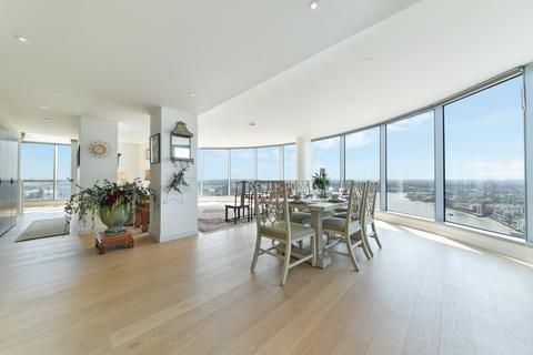 3 bedroom apartment to rent - Charrington Tower, New Providence Wharf, London, E14