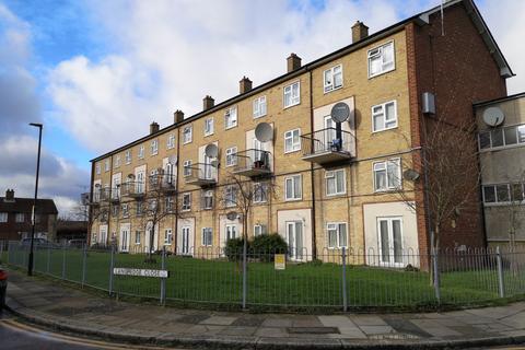 3 bedroom maisonette for sale - Langhedge Lane, N18