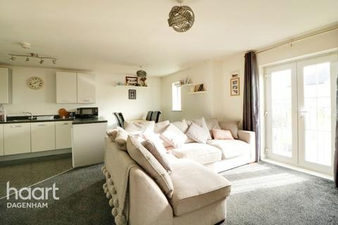 2 bedroom apartment for sale - Panyers Gardens, Dagenham