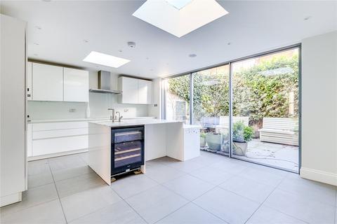 4 bedroom terraced house to rent - Raddington Road, London, W10