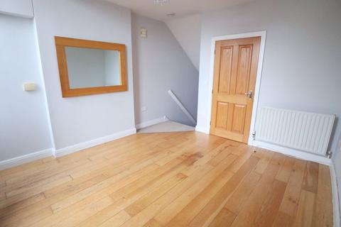 1 bedroom apartment to rent - Station Road, Stone