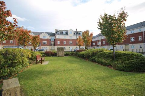 2 bedroom flat to rent - Edward House
