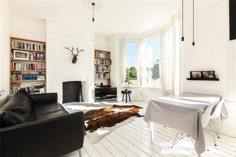 3 bedroom flat for sale - Chiswick Lane, Chiswick, London, W4