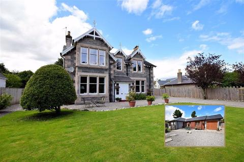 6 bedroom detached house for sale - Grantown On Spey