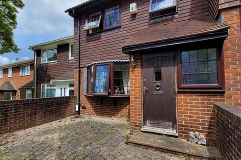3 bedroom terraced house to rent - Egginton Road, Brighton