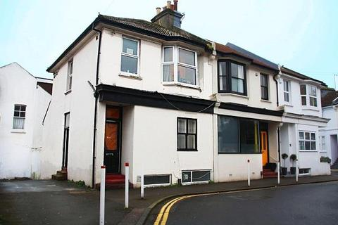 4 bedroom semi-detached house to rent - St Martins Street, Brighton
