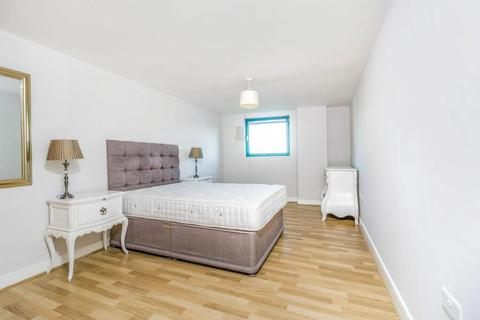 2 bedroom apartment to rent - Plough Way, London, SE16