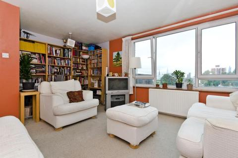 3 bedroom flat to rent - Ogilvie House, Stepney Causeway, London, E1