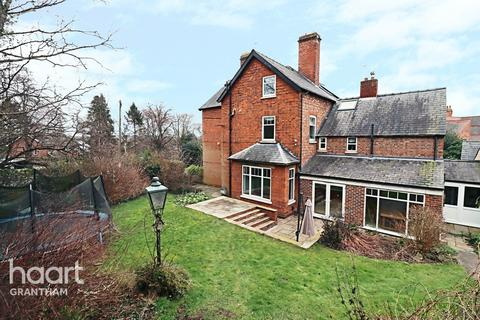 5 bedroom semi-detached house for sale - Barrowby Road, Grantham
