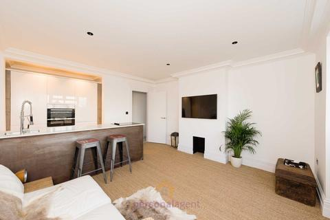 2 bedroom apartment to rent - Danehurst Court, Epsom