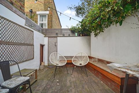 3 bedroom maisonette for sale - Latchmere Road, London