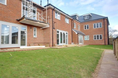 2 bedroom apartment for sale - 157 MILTON ROAD, COWPLAIN, WATERLOOVILLE