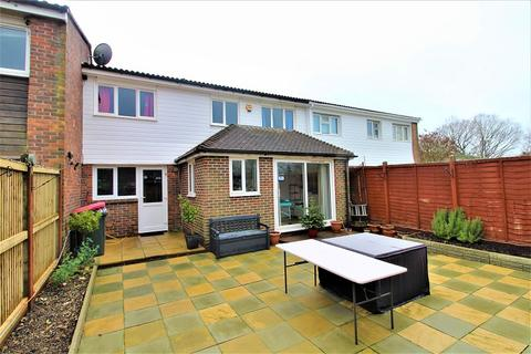 4 bedroom terraced house for sale - Nevile Close, Crawley, West Sussex. RH11 8QF