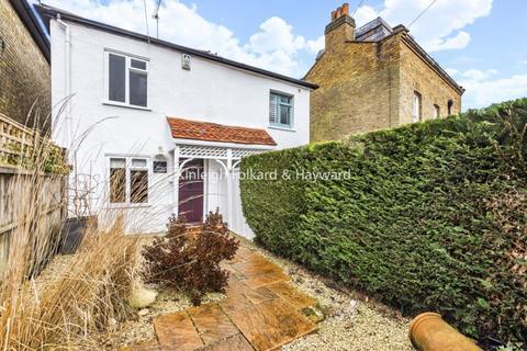 2 bedroom cottage to rent - Taylors Lane London EN5
