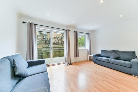 4 bedroom terraced house for sale - Albert Mews, Limehouse, London, E14.