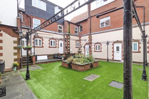 2 bedroom apartment to rent - Sheringham