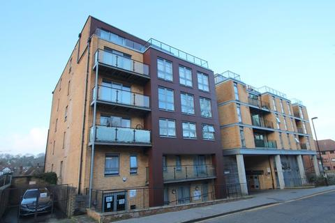 1 bedroom apartment to rent - Whytecliffe Road South, Purley
