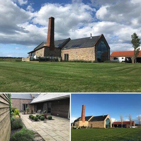 4 bedroom barn conversion for sale - Haggerston, Berwick-upon-Tweed, Northumberland TD15 2RN