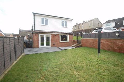 3 bedroom detached house for sale - Milton Drive, Liversedge, WF15
