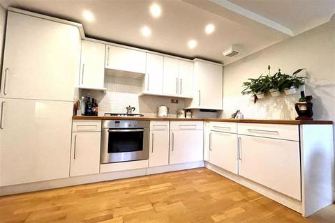 2 bedroom flat for sale - Connaught Mews, Woolwich, London, SE18
