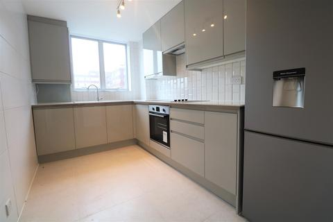 2 bedroom property to rent - Eaton Road, Hove