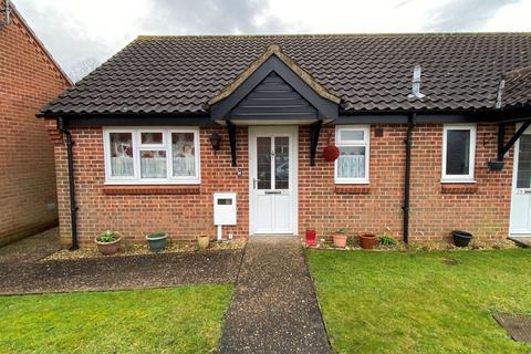1 bedroom semi-detached bungalow for sale - Sheraton Close, The Headlands, Northampton NN3 2NQ