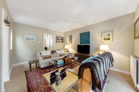 2 bedroom flat for sale - Sugden Road, SW11