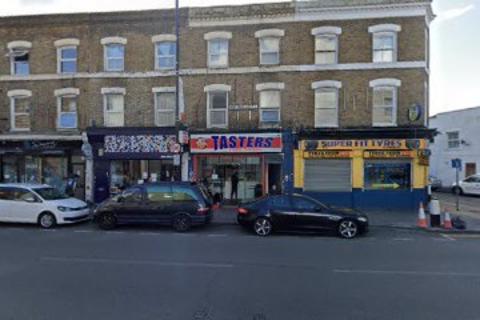 Studio to rent - 93 West Green Road, London N15