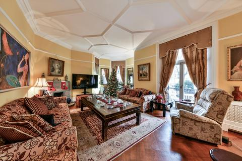 4 bedroom flat for sale - 47-60 Cheniston Gardens, London, W8