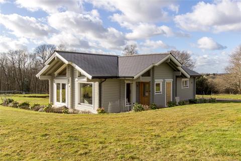 2 bedroom bungalow for sale - Crowhurst Park, Telham Lane