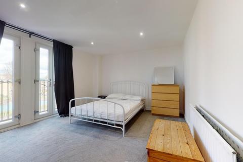 1 bedroom flat to rent - The Gables, 125 Harrow Road, London