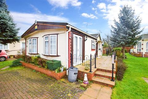 2 bedroom park home for sale - London Road, Wrotham Heath, Sevenoaks, Kent