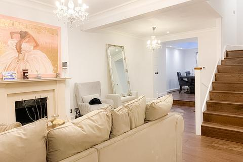 3 bedroom semi-detached house to rent - Montpelier Square SW7