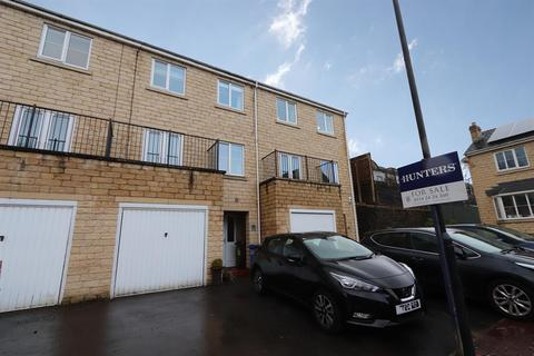 3 bedroom townhouse for sale - Queenswood Road, Wadsley Park Village, Sheffield, S6 1RR