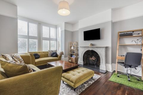 2 bedroom flat to rent - Creffield Road London W3