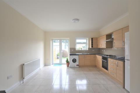 5 bedroom terraced house to rent - ILFORD, IG4
